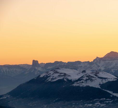 Mont Aiguille dans le fond