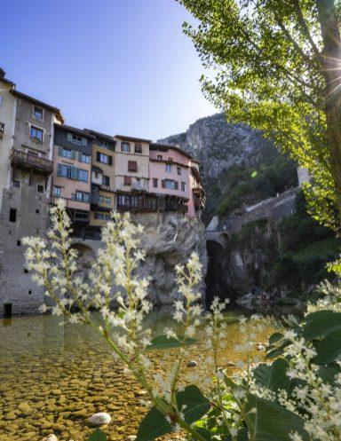 Superbes maisons suspendues de Pont en Royans