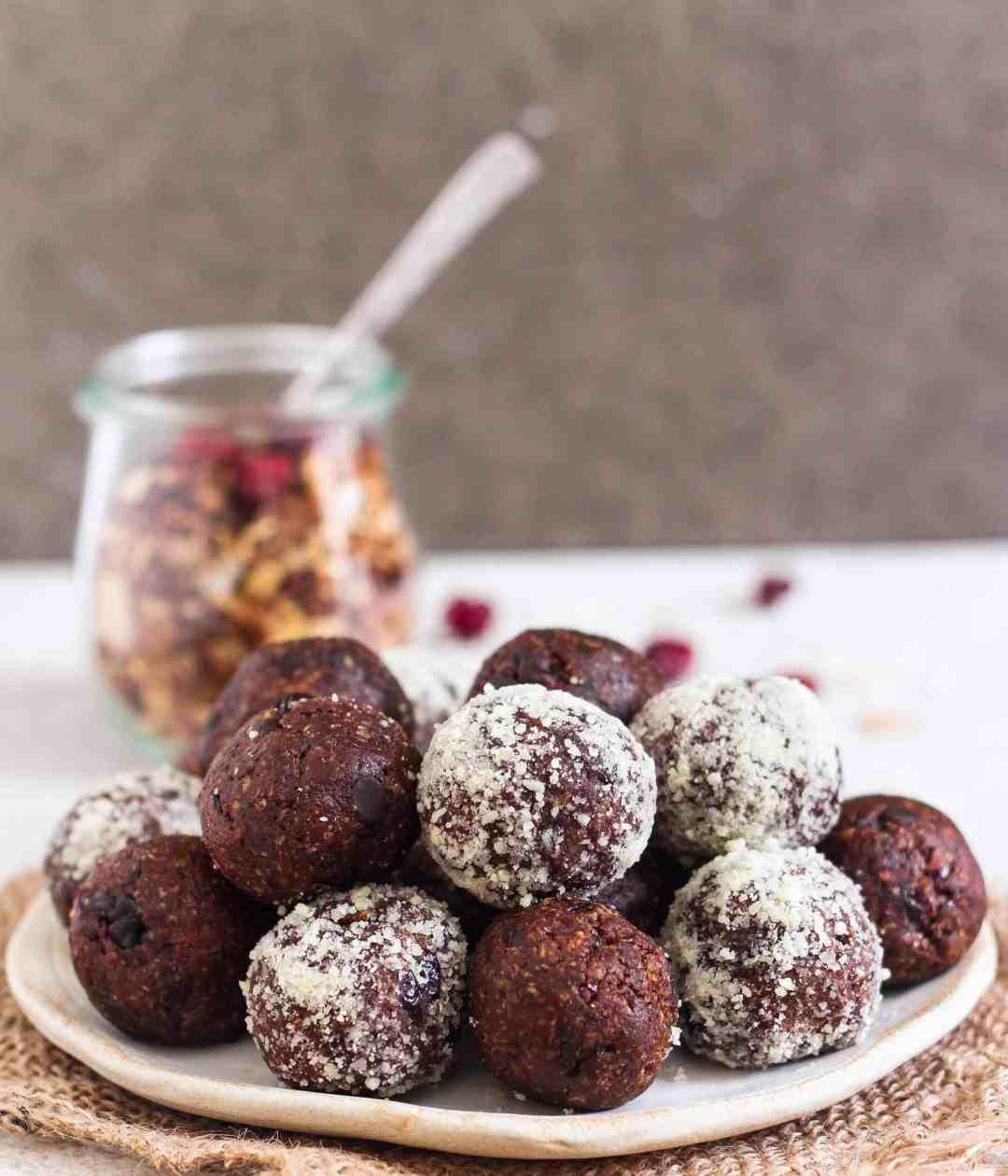 Coffee Granola Bliss Balls vegan healthy snack dairyfree dessert