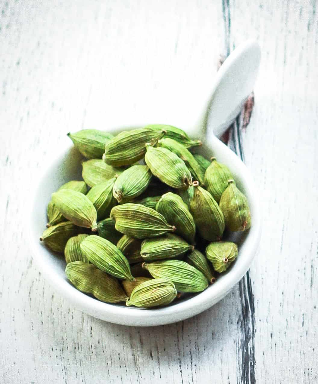 Cardamom / Elaichi Spice Healthy benefits