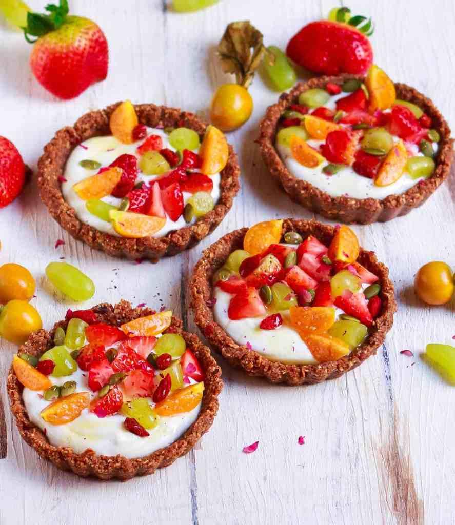 Breakfast Granola Tarts easy no bake healthy recipe vegetarian vegan friendly