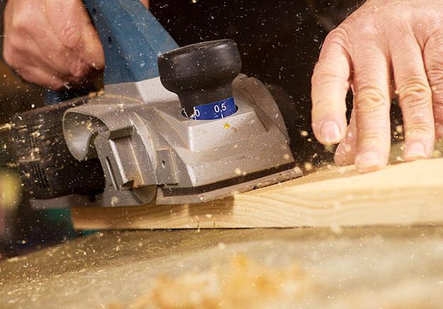 نجار بجدة & نجار خشب وتركيب غرف نوم ودواليب وابواب فلديه افضل مناجر الخشب في جده