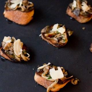 Herbed Mushroom Parmesan Crostini   Taste and Tipple