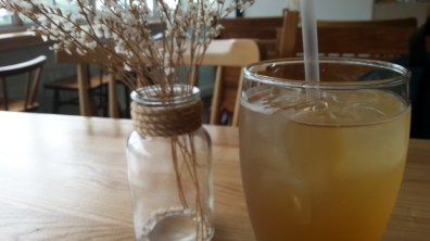 Sparkling Ginger and Lemon Tea at House on the Hill