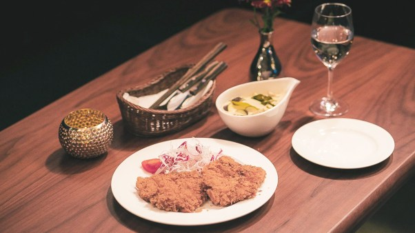 Pork Cutlets and Thai Green Curry at Noxa Oriental (Image Credit: Noxa Oriental & SmileMan:D Snap Photographer)