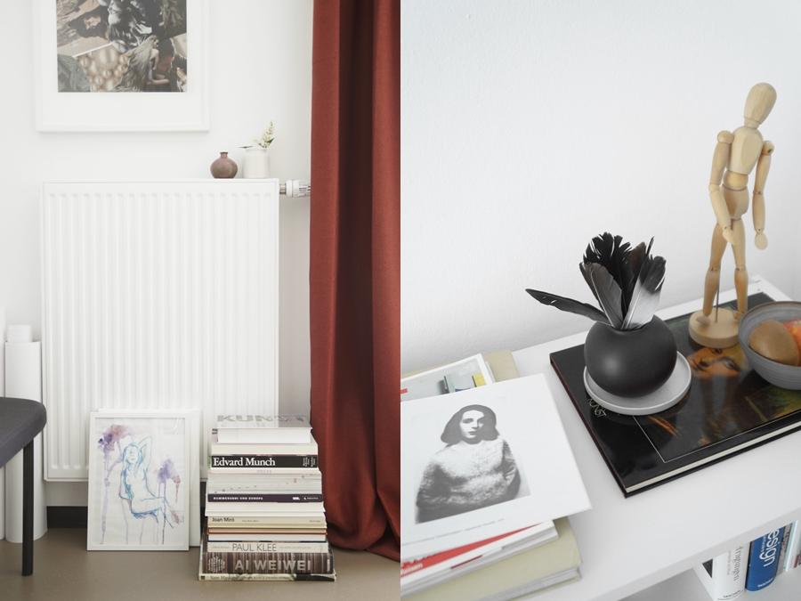 Studentenzimmer skandinavisch modern minimalistisch einrichten in weiß, grau, rot, Holz. Wohnheimzimmer dekorieren mit Deko und Kunst. Wohnideen Wohninspiration  Tasteboykott Wohnblog.