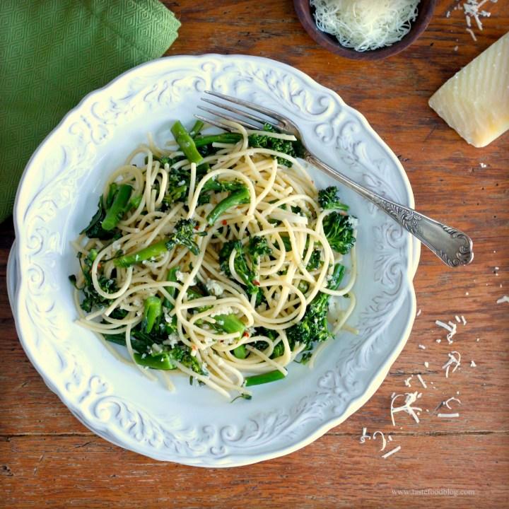 Spaghetti with Broccolini, Breadcrumbs and Chili Flakes