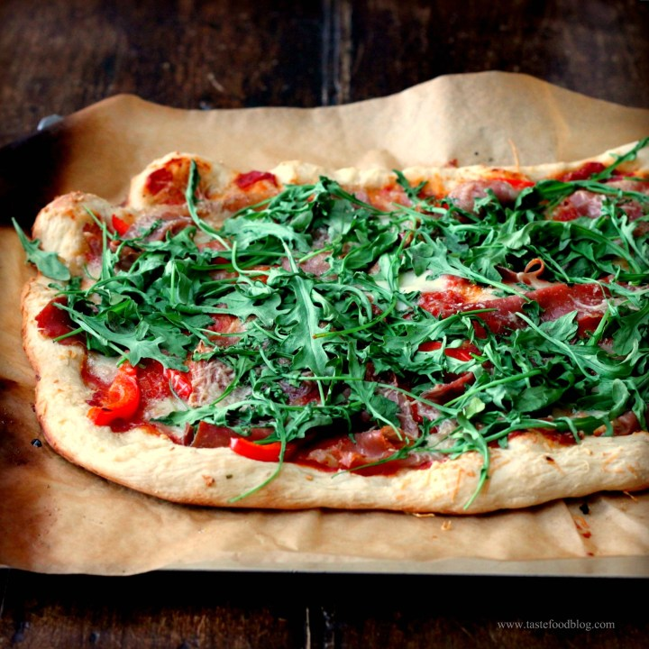 Pizza Night: Arugula and Prosciutto Pizza