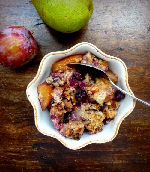 Plum Pear Blueberry Crisp