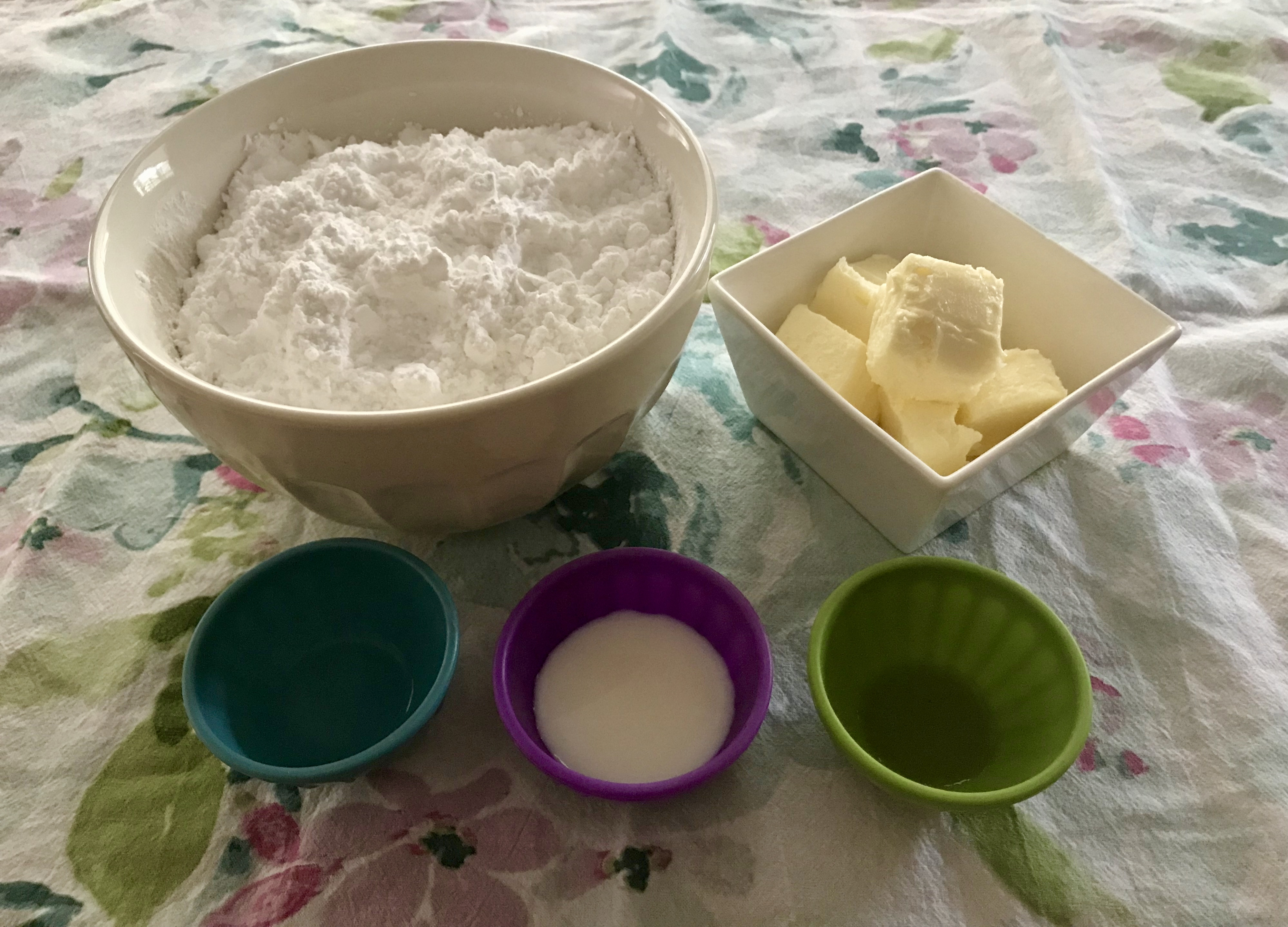 Ingredients for Butter Mints: sugar, butter, milk, vanilla, peppermint extract
