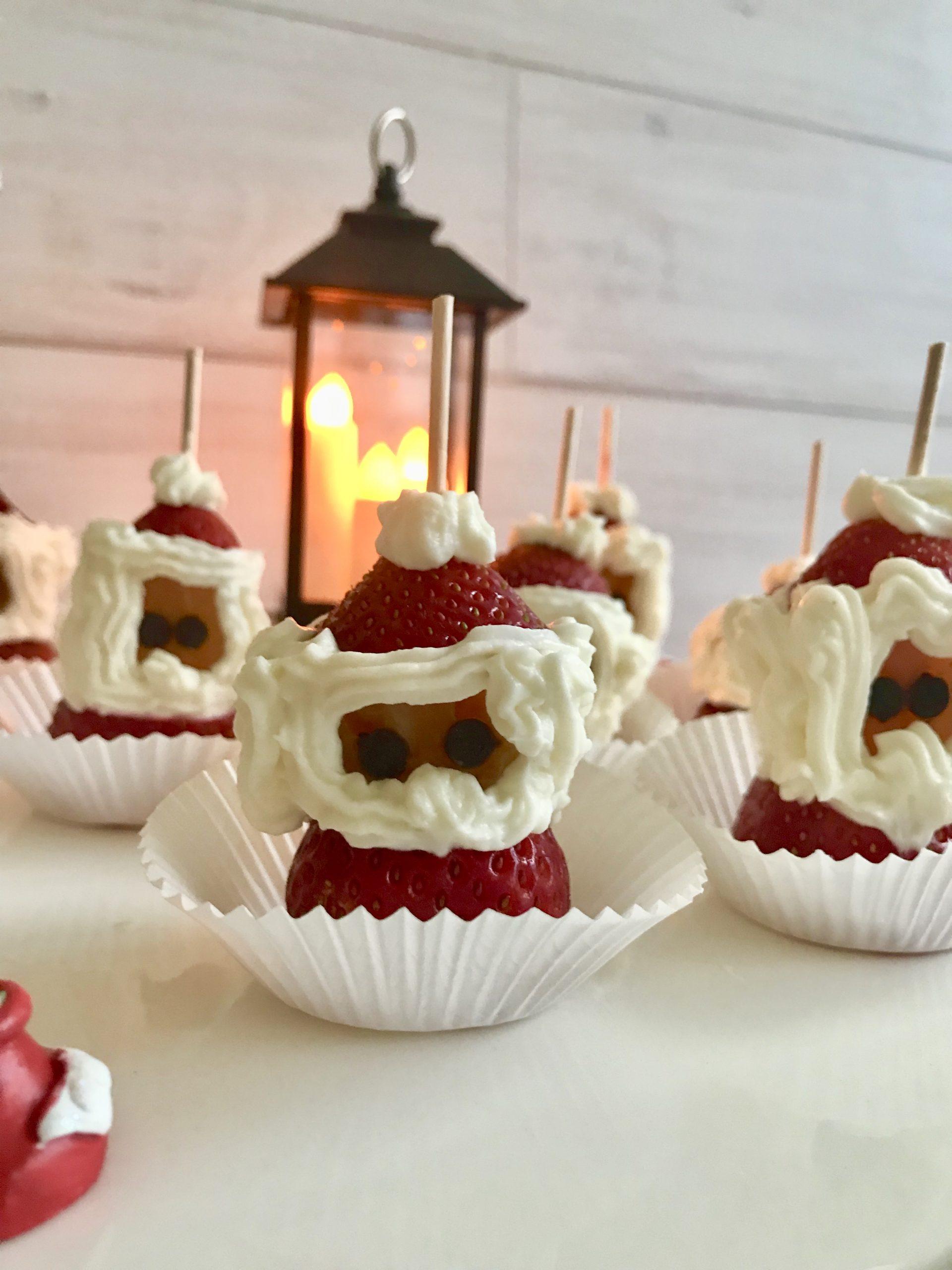 Piping for Strawberry Cream Cheese Santas
