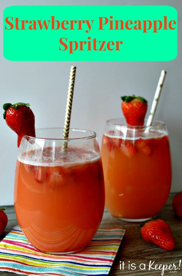 Strawberry Pineapple Spritzer Mocktail: A sparkling, fruity spring time favorite