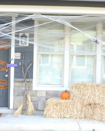 Affordable Halloween Front Porch Decorating   Day 5 of Tastefully Frugal's 13 Frightfully Fun Days of Halloween