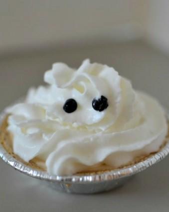 Mini Ghost Pumpkin Pies | Day 4 of Tastefully Frugal's 13 Frightfully Fun Days of Halloween ad #EffortlessPies #CollectiveBias @realreddiwip @dannonoikos