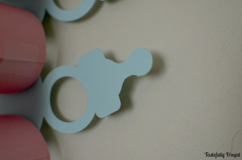 Baby Announcement Paper Chain: Countdown to baby with these easy to make paper chain | Tastefully Frugal