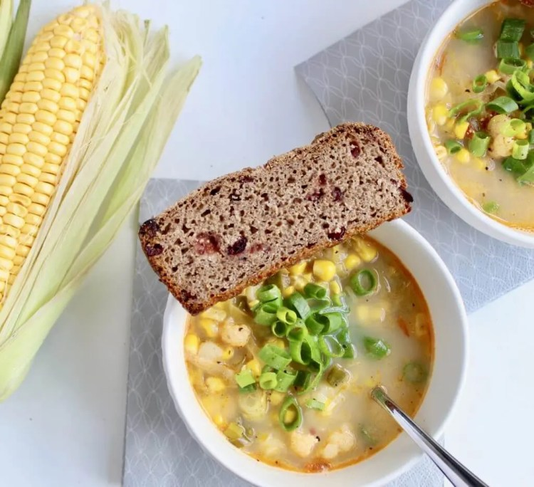 Light, vegan corn chowder with cauliflower and chili for hot summer body