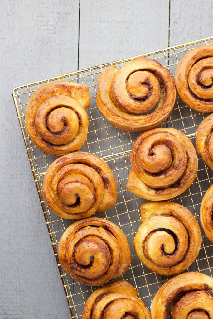 Simple and delicious Vegan cinnamon rolls.