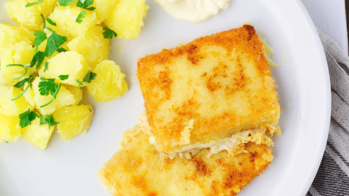 <strong>Lunch:</strong> Fried Cheese (Slovak classic)
