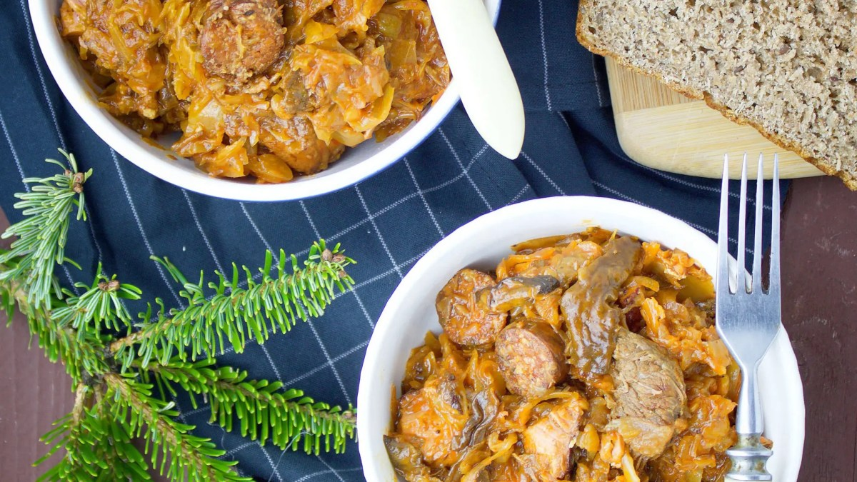 Traditional Polish BiGOS recipe