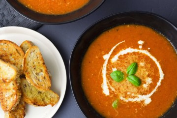 Roasted tomato soup (VeGaN)