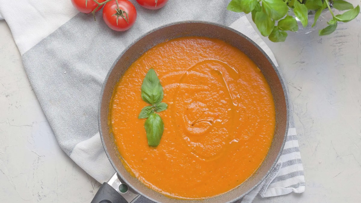 Easy Italian Marinara Sauce from fresh tomatoes.