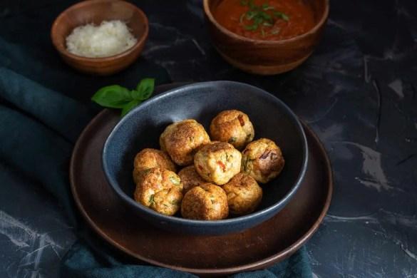 Turkey meatballs with spaghetti and Marinara sauce.