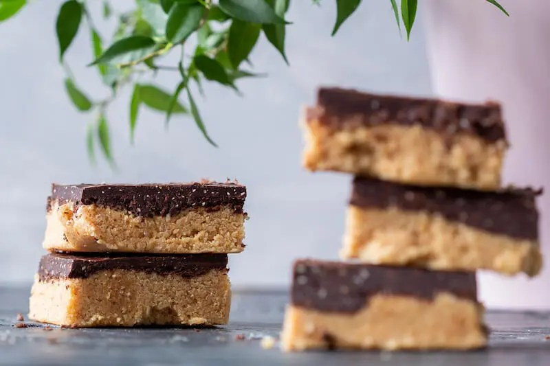 Vegan peanut butter bars. No-bake, easy and delicious. 1