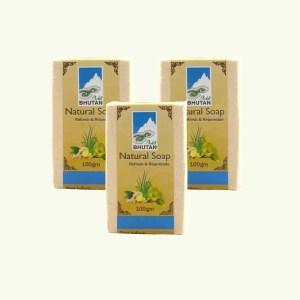 Lemongrass and ginger soap by Bio Bhutan 1