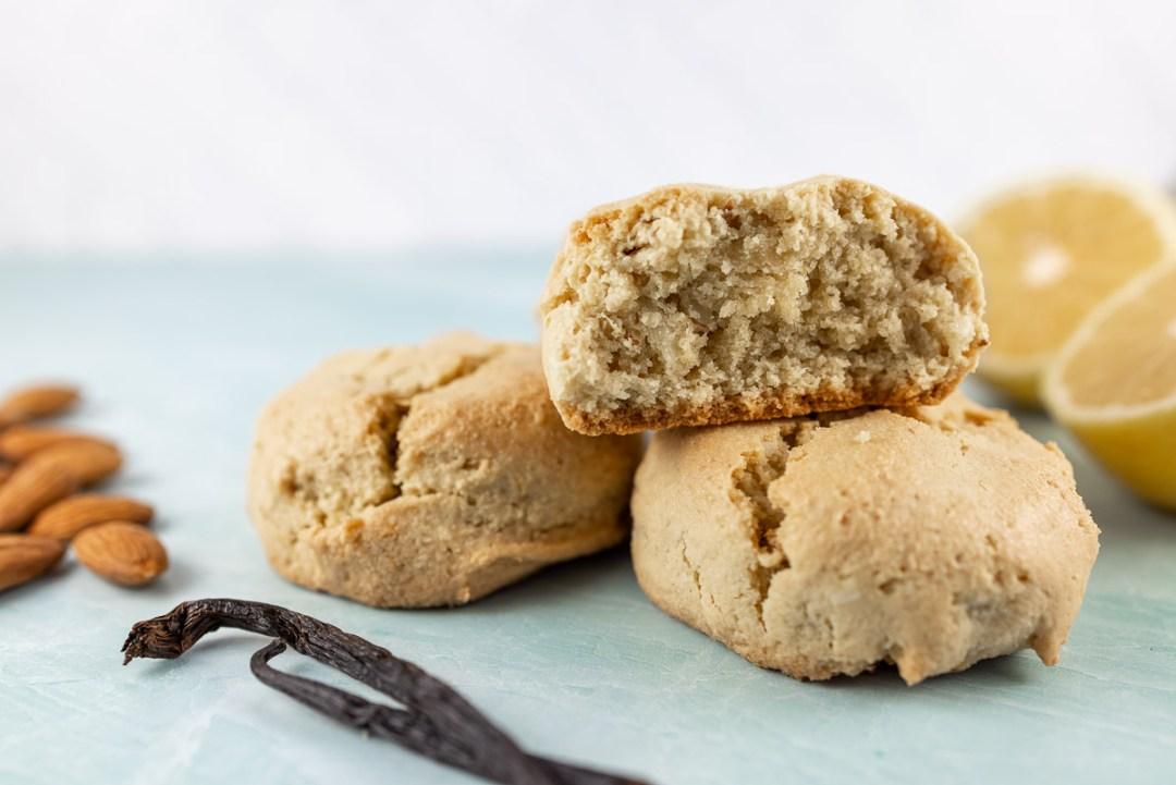 Almond Flour Lemon Vanilla Scones Recipe