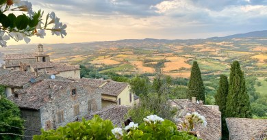 Visit Todi in Umbria