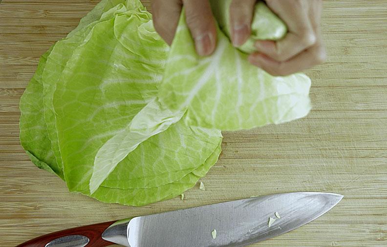 peeling sweetheart cabbage