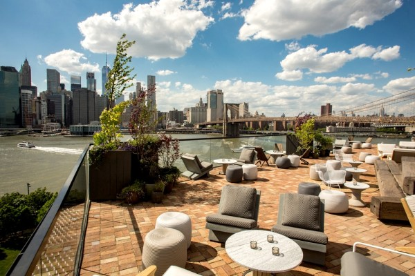 rooftop garden brooklyn New York vue par Vincent Bezecourt, joueur des New York