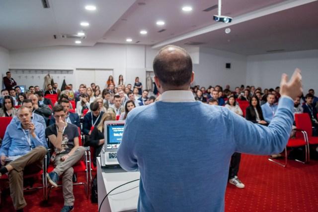 Istok Pavlović na konferenciji Konverzija 2017. godine u Banja Luci