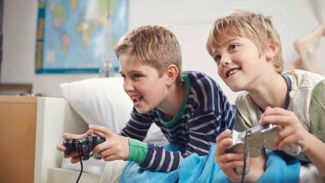problemi koje mogu imati vaša deca ako previše vremena provode za računarom ili internetom