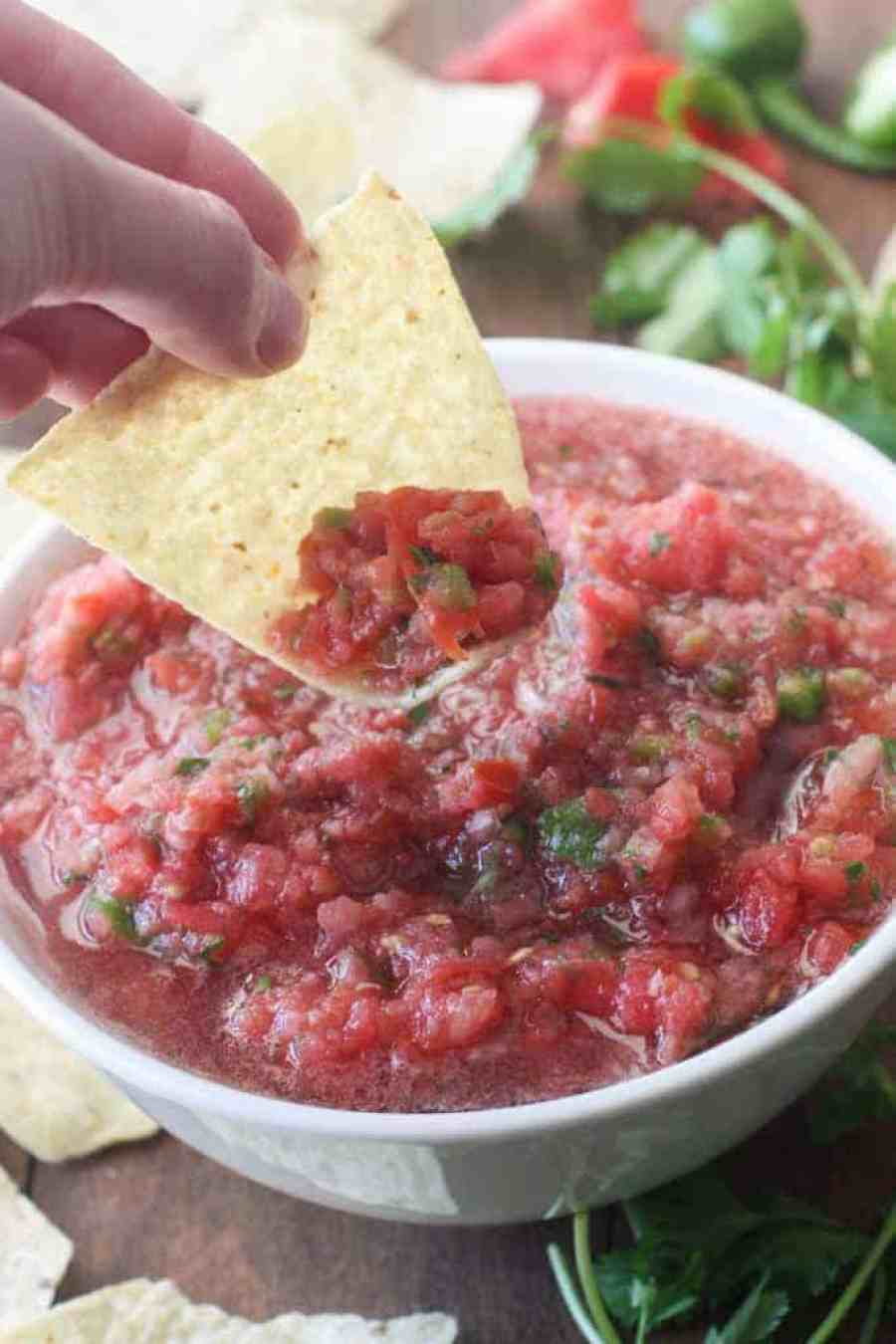 The BEST, super easy, 5-minute Cantina-Style Salsa, made with fresh ingredients. | Tastes Better From Scratch