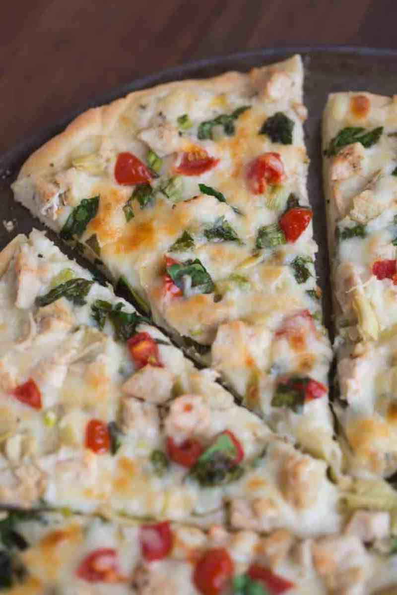 White Garlic Chicken and Vegetable Pizza with my favorite creamy white garlic sauce. | Tastes Better From Scratch