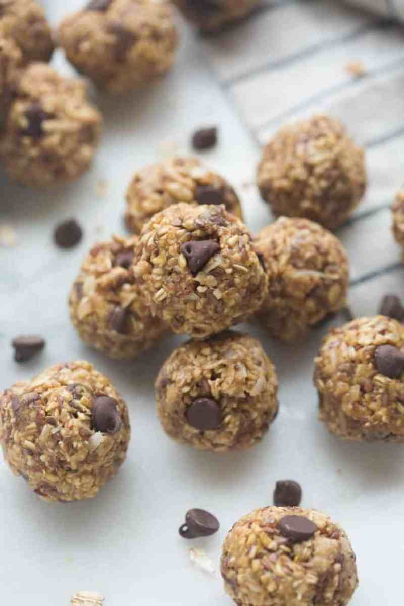 Oatmeal Peanut Butter Energy Bites are the perfect healthy snack for a busy day! Packed with protein, fiber and omega-3. | Tastes Better From Scratch