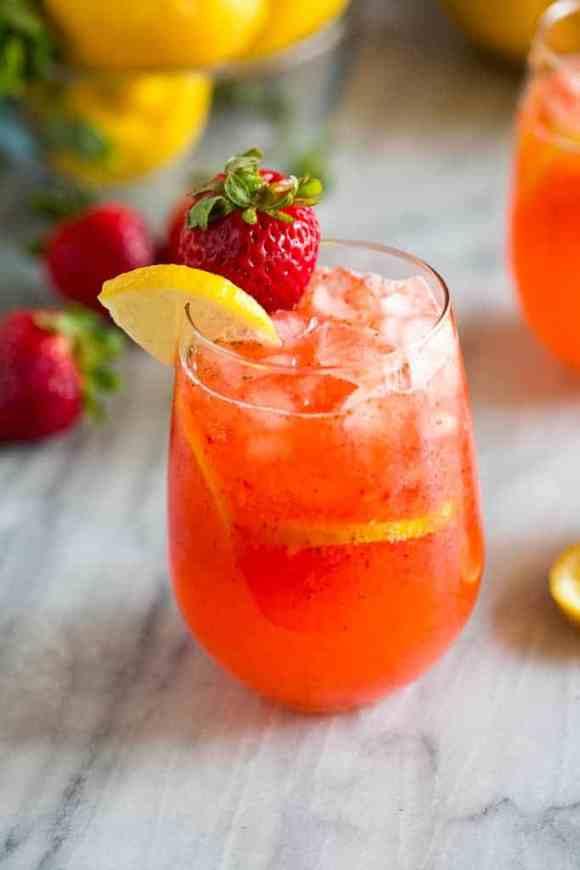 Strawberry Lemonade | Summer drink recipes