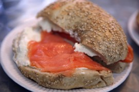 Bagel ©Simon Law flickr