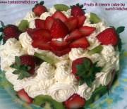 Fruits & cream cake