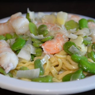 Assignment Arneis: Cheesy Asiago Pasta with Shrimp, Fava Beans, and Fennel #winePW