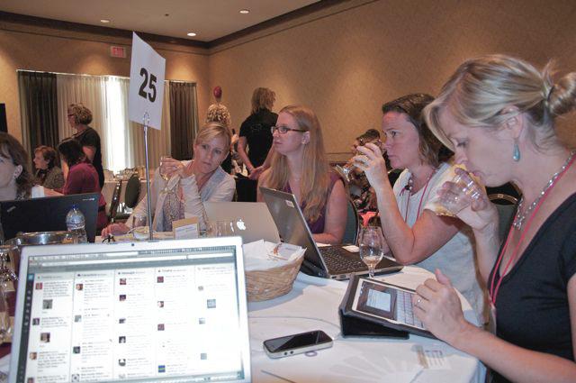 white speed tasting at wine bloggers conference, 2013, tastingroomconfidential.com