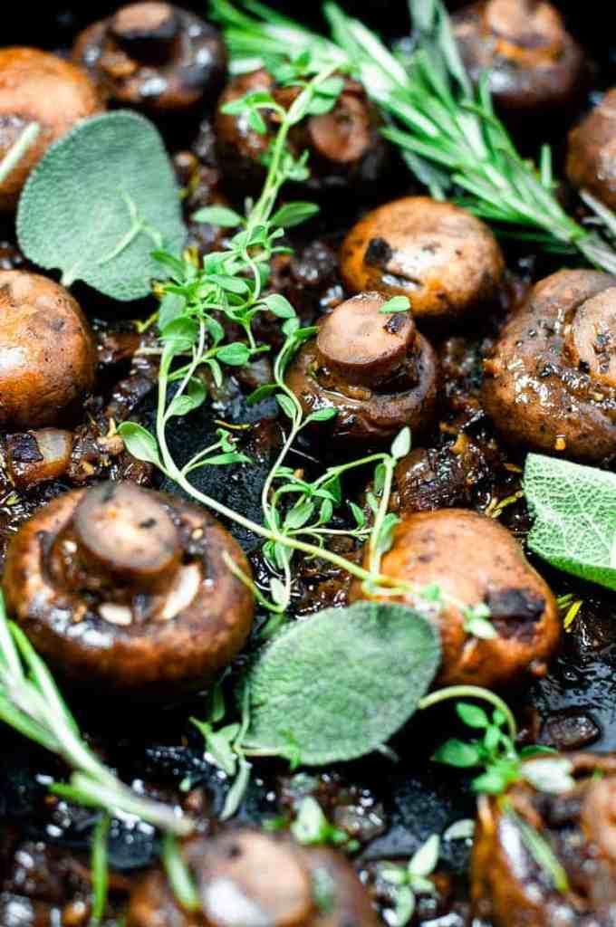 Easy Sautéed Whole Garlic Mushrooms Recipe
