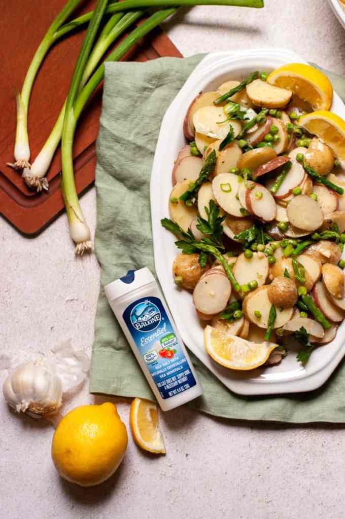 Potato salad with garlic and lemon