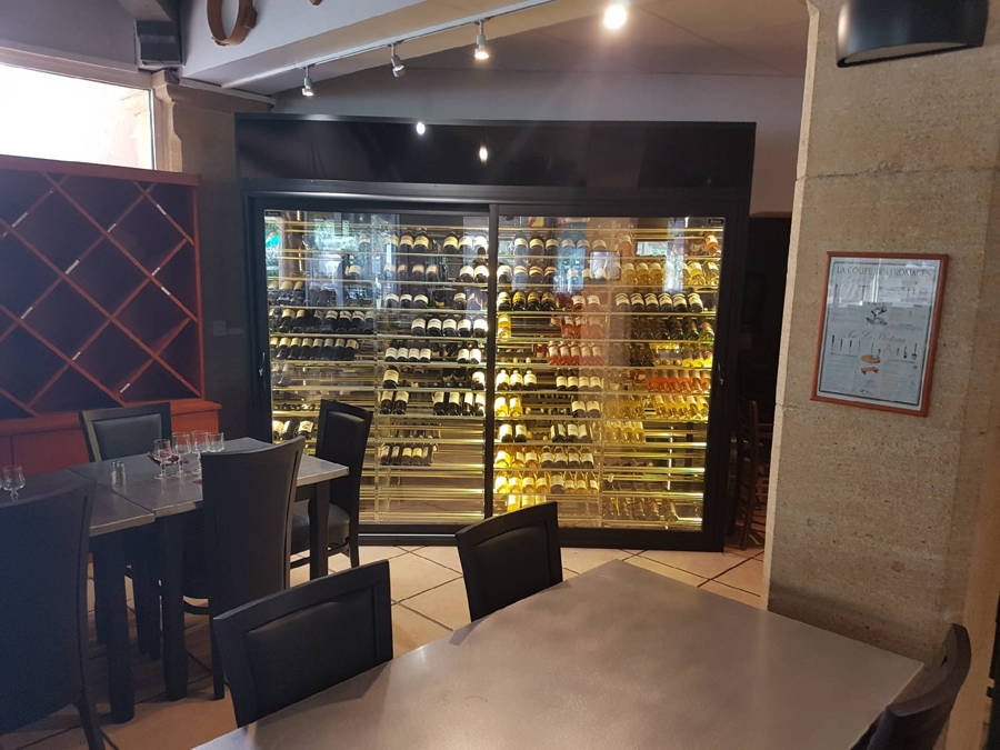 la table a fromage cave a vin sur mesure