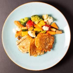 piccata-aubergine mit Gemüse