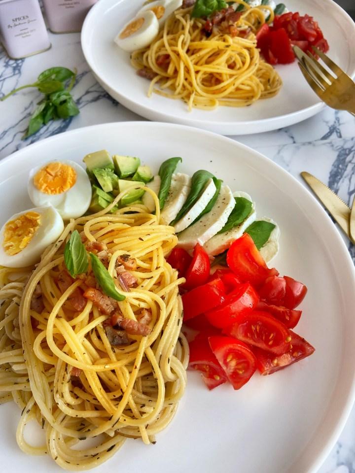 Caprese spaghetti