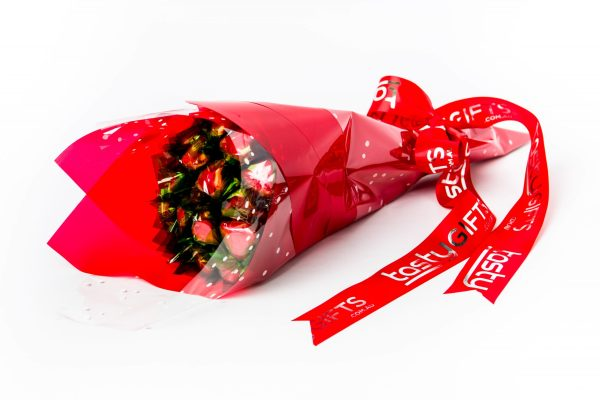 17 red foil wrapped milk chocolate hearts. All wrapped up in red cello and finished with a red ribbon with silver print.