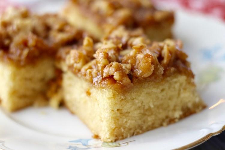 Buttermilch Kuchen Mit Karamellisierten Walnussen Tasty Matter
