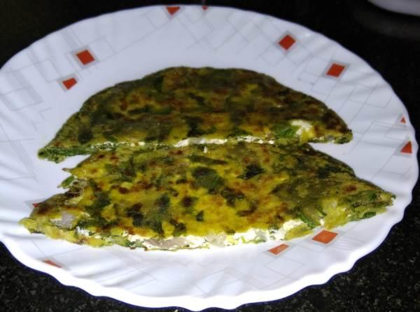 Spinach cottage cheese paratha